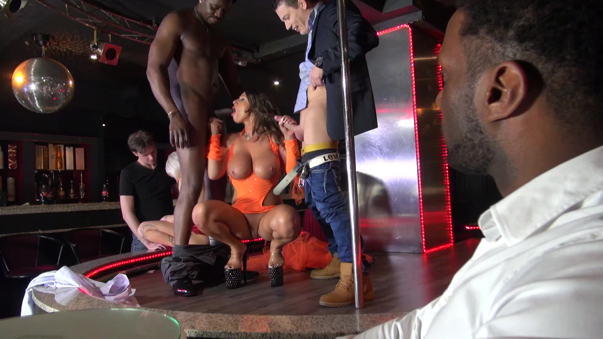 Strip club Gangbang