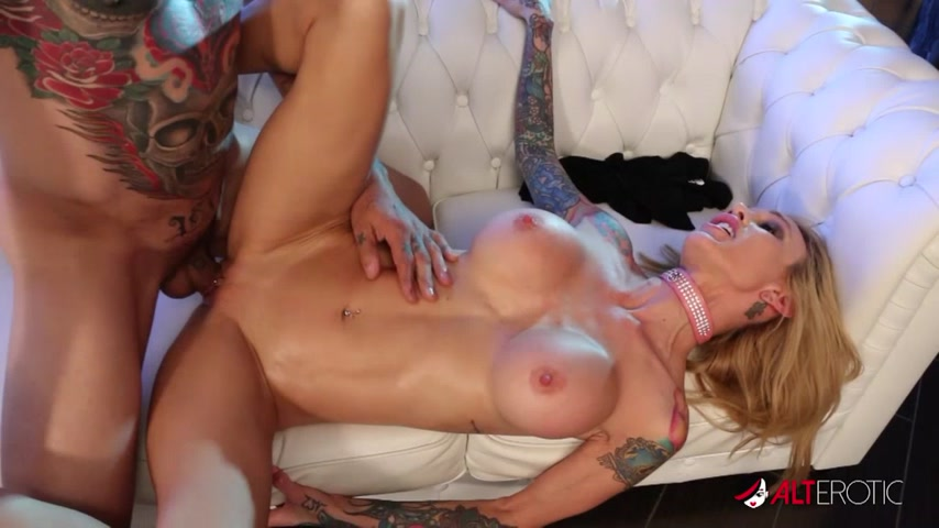 Sarah Jessie wants to ride your face and dick