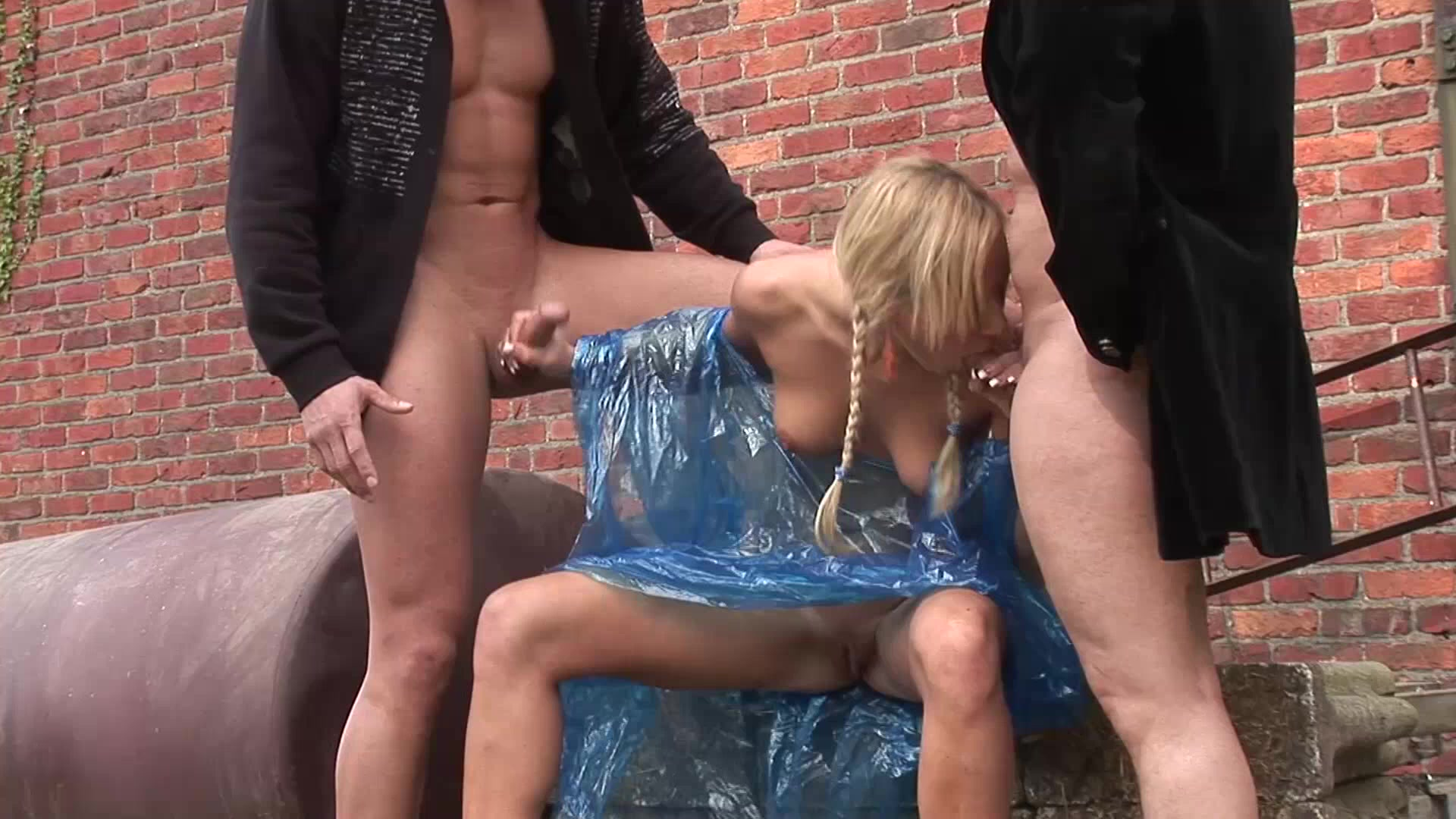 Threesome Addiction 9