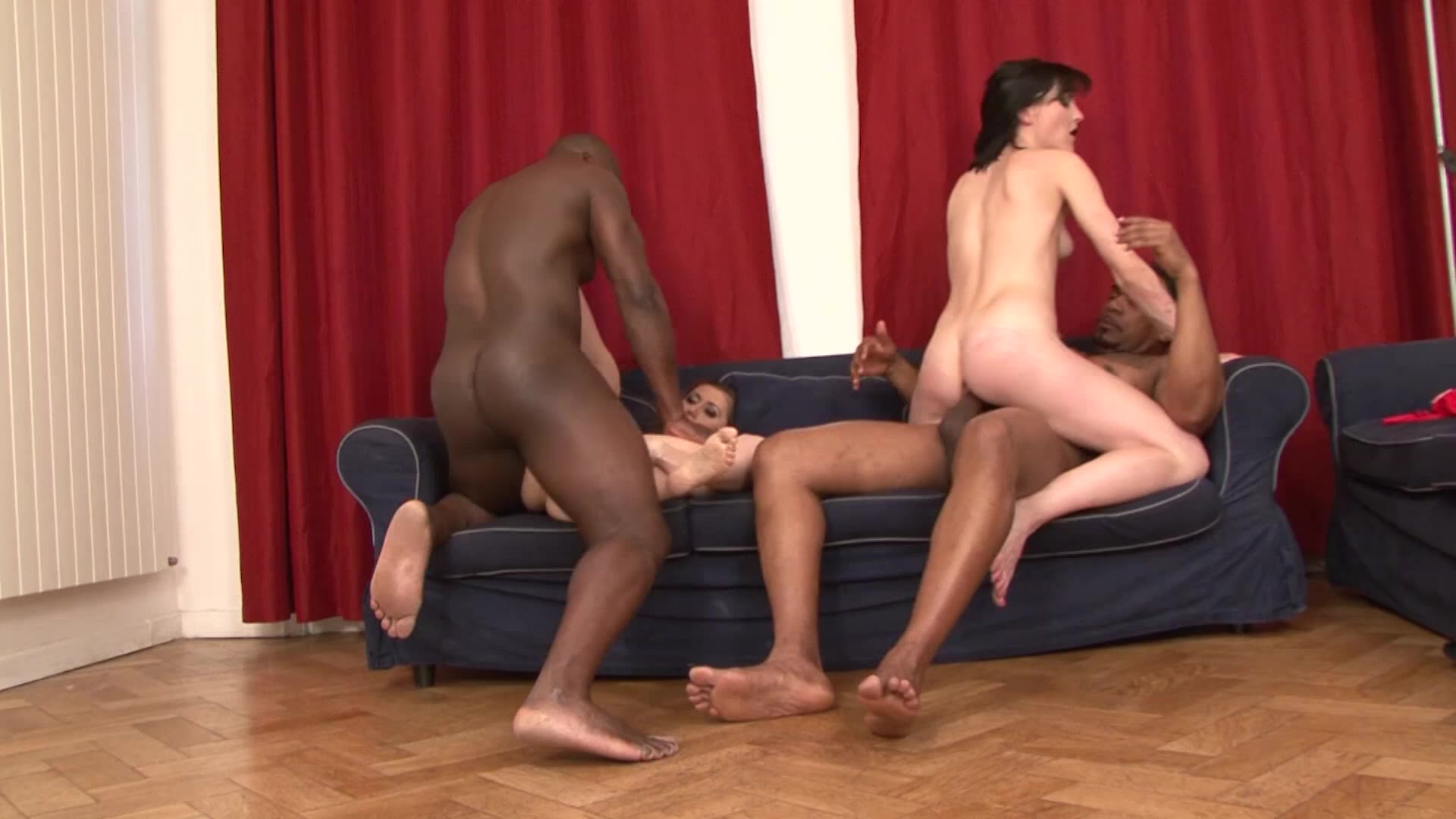 Mom Gets an Interracial DP